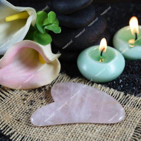 pembe kuvars gua sha kalp şekli masaj taşı
